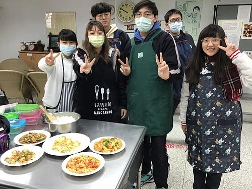 0E397208-4C36-4B5D-97A2-0CBED63B0133.jpeg - 201、203、205、207、209、211、213烹飪實習照片(10909-11001)林佑陽