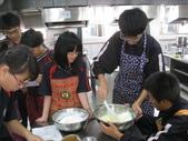207-213烹飪實習(100下)313:213五月蛋糕 (8).jpg