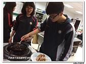 301~303烹飪實習照片105年9月~106年1月(江東山、澳洲陳世成):303 (7).jpg