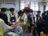 98下學期101-104班烹飪實習照片:104 (11).JPG