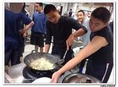 216烹飪實習(103上)&316烹飪實習(104上)小老師陳哲:316烹飪卒業考 (20).jpg