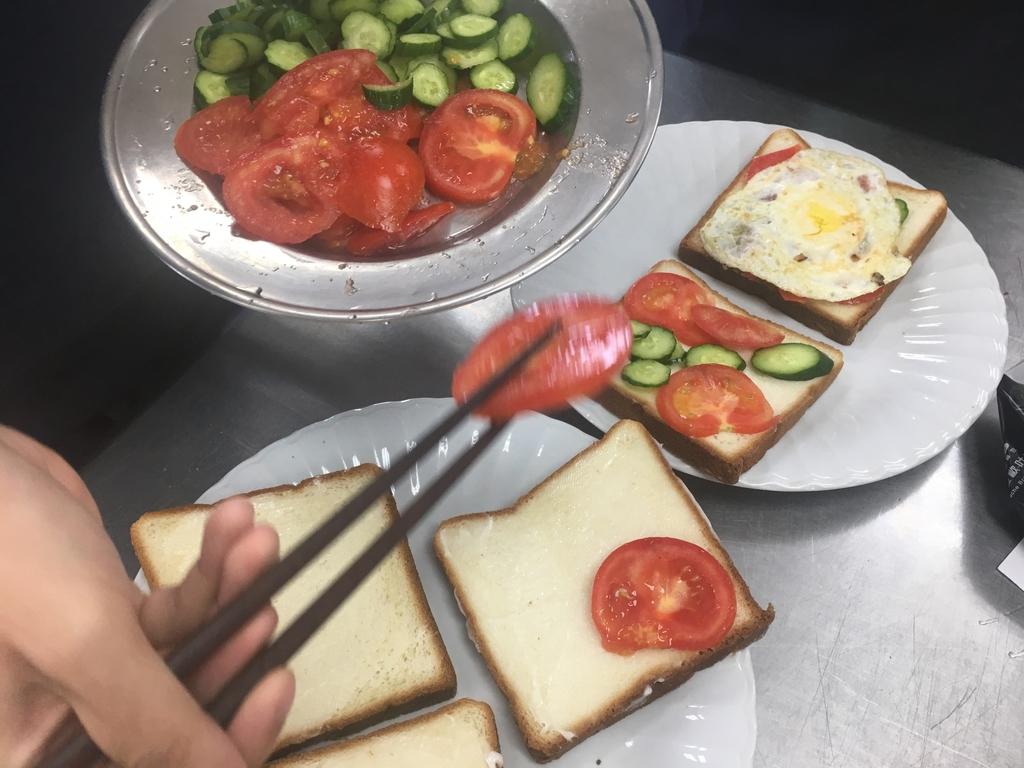 209~215烹飪實習照片(107年02月~6月):IMG_0033.JPG