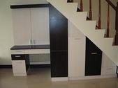 樓梯下空間設計:ap_F23_20090812121436404.jpg
