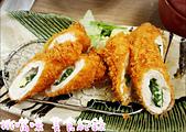 舌頭被貓叼走了 (私人美食):靜岡勝政日式豬排-起士雞排捲 搭配香草鮮嫩多汁 但較為清淡 可再沾醬美味一等一