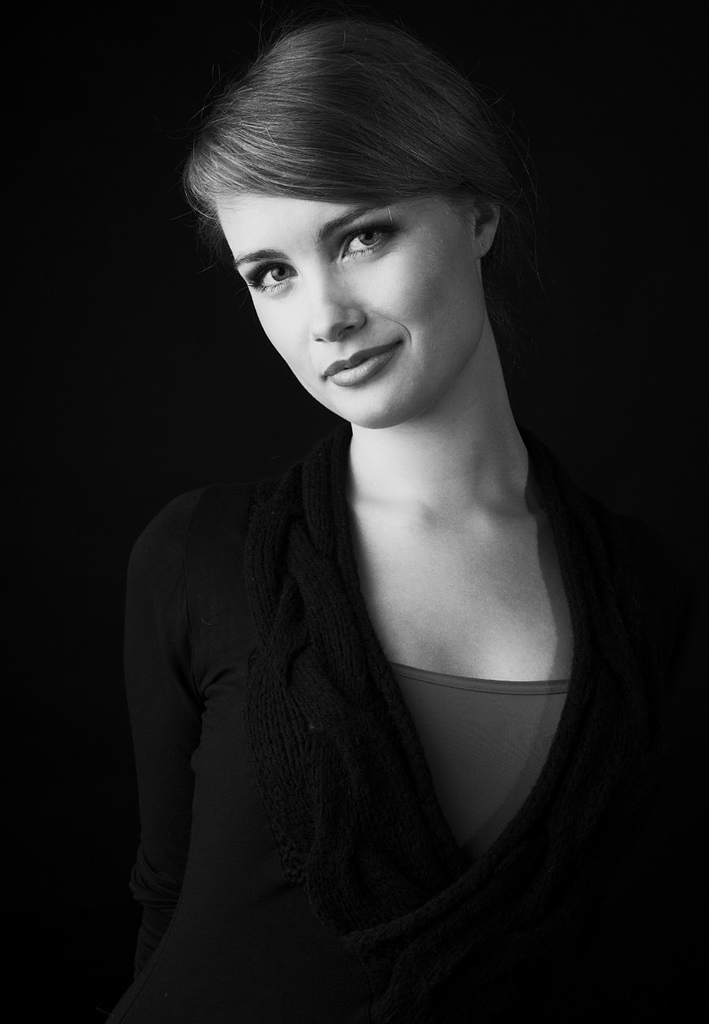 鋼琴家(301-615):1060 Katharina Treutler 卡塔琳娜.特羅伊特勒 德國鋼琴家09.jpg
