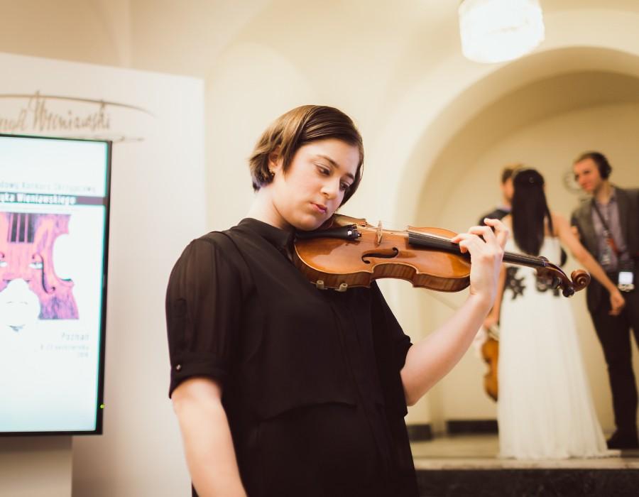 小提琴家(301-1000):719 Veriko Tchumburidze 韋里科.柴契爾伯里 1996年 格魯吉亞裔土耳其小提琴家06.jpg