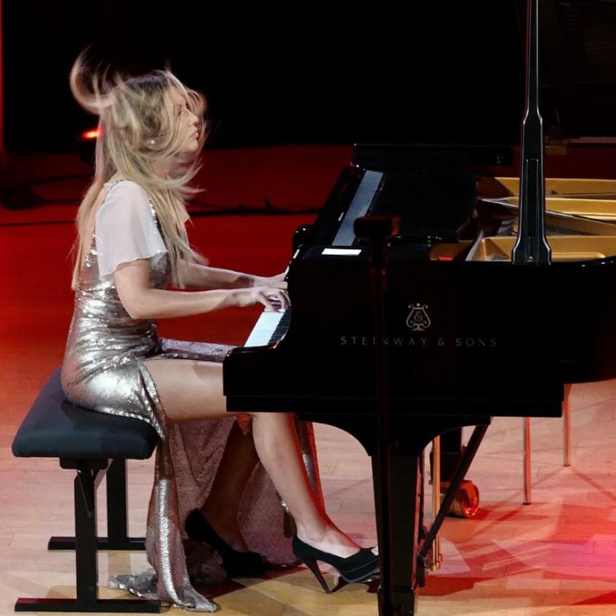 鋼琴家(301-615):1061 Vanessa Benelli Mosell 凡妮莎.貝內利.莫塞爾 1987年 意大利鋼琴演奏家11.jpg