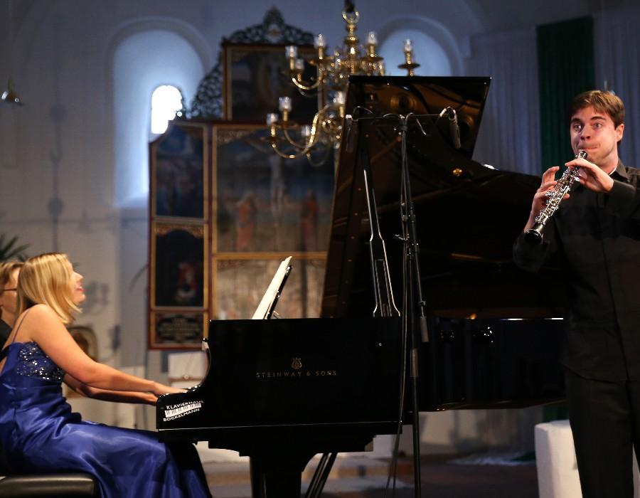 鋼琴家(301-615):1059 Annika Treutler 安妮卡.特羅伊特勒 1990年 德國鋼琴家09.jpg