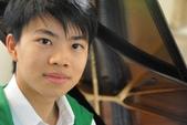 鋼琴家(301-615):343 Kit Armstrong 傑.阿姆斯特朗(周善祥) 1992年 台裔英國鋼琴家.jpg