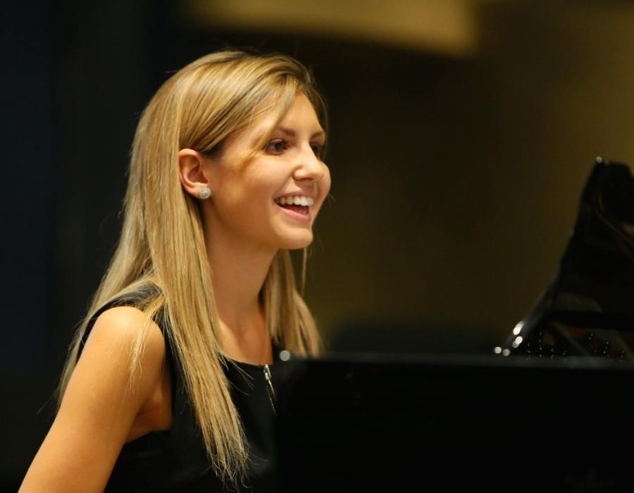 鋼琴家(301-615):1061 Vanessa Benelli Mosell 凡妮莎.貝內利.莫塞爾 1987年 意大利鋼琴演奏家10.jpg