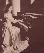 鋼琴家(301-615):466 Eileen Joyce 艾琳.喬伊斯 (1908年-1991年) 澳大利亞鋼琴家.jpg