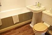 英國Day1:在英國算很大很乾淨的浴室