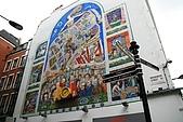 英國3~倫敦逛街:往Soho區路標上的大看板