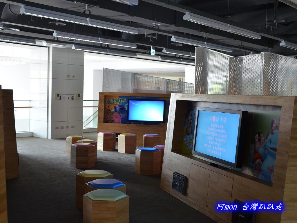 201205台中-國立台中圖書館:國中圖05.jpg
