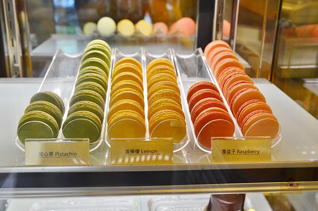 1045803230 l - 【台中西區】檸檬洋菓子~小巷中的平價甜點蛋糕店,檸檬塔清爽又好吃,百元有找喔
