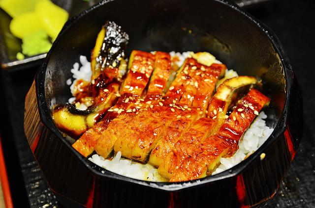 1164600321 l - 【台中東區】世界的山將~日本名古屋超人氣美食來台中店開店,招牌夢幻雞翅、鰻魚飯、豬排飯都值得一試,大推特調風味雞翅