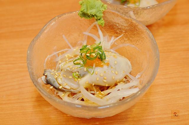 1092365015 l - 【熱血採訪】桀壽司~市場旁平價日本握壽司專賣店大推薦,海鮮食材新鮮美味,大推干貝海膽握壽司、比目魚握壽司、生蠔、胭脂蝦,台中吃壽司的好選擇