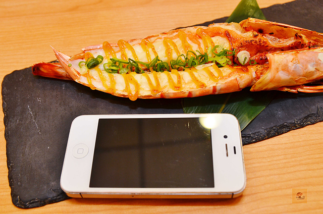 1092365018 l - 【熱血採訪】桀壽司~市場旁平價日本握壽司專賣店大推薦,海鮮食材新鮮美味,大推干貝海膽握壽司、比目魚握壽司、生蠔、胭脂蝦,台中吃壽司的好選擇