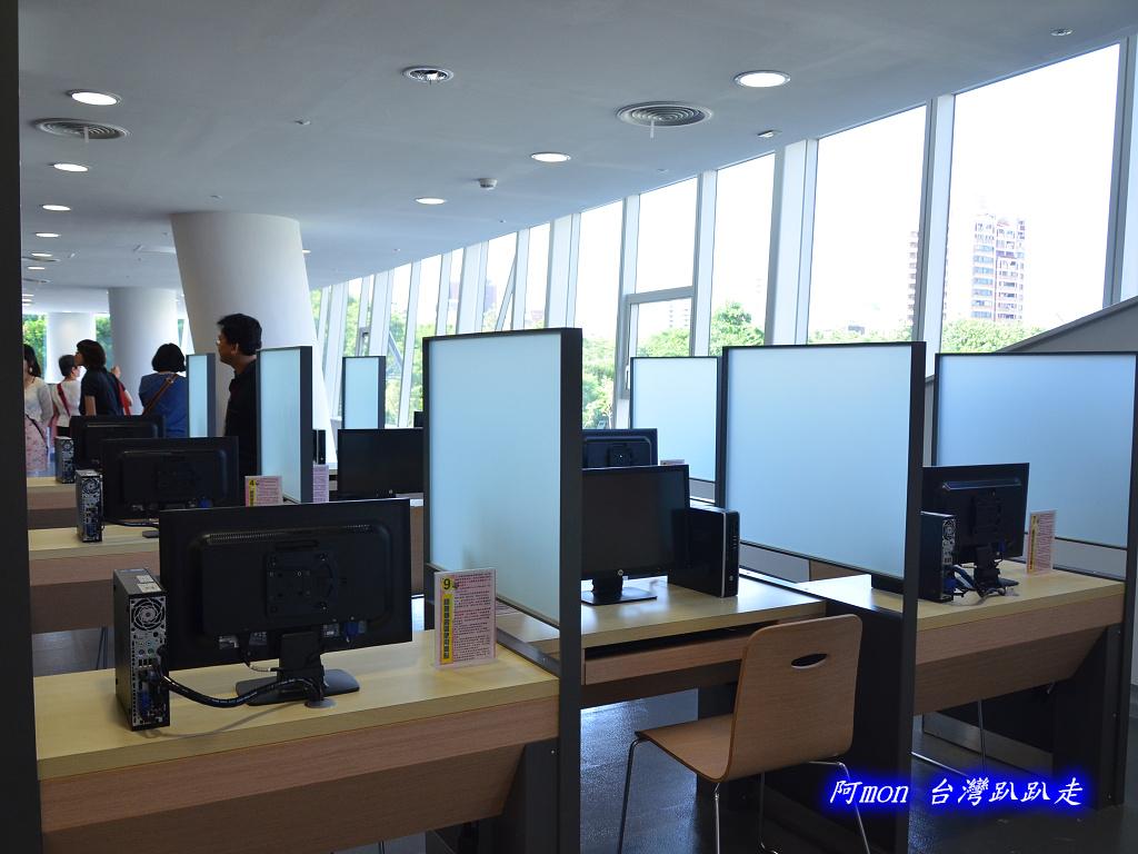 201205台中-國立台中圖書館:國中圖20.jpg