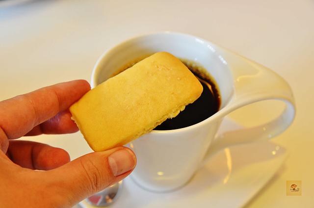 1083630572 l - 【熱血採訪】荷波咖啡~新開幕的平價輕食咖啡館,提供大量免費插座和網路,學生聚會的好選擇,近中臺科大、大坑風景區(已歇業)