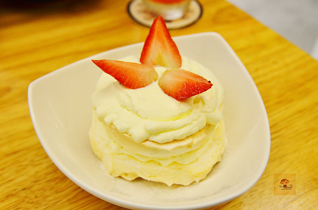1045074451 l - 【台中西區】Passenger 隨食旅人~讓人驚喜的美味輕食店~好吃的芭蕾帕夫甜點、香料雞肉燒餅、西班牙烘蛋