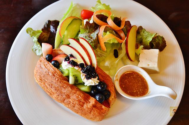 1065647807 l - 【台中西區】畢洛雅咖啡館~精緻且平價美味的早午餐,環境幽靜,有無線網路和插座,適合讀書和工作的好地方