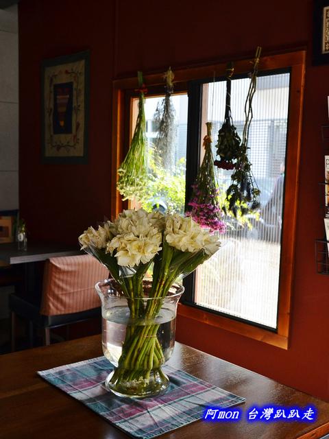 802188942 l - 【台中西區】Isabella's cafe~環境溫馨適合拍照的手做私房料理