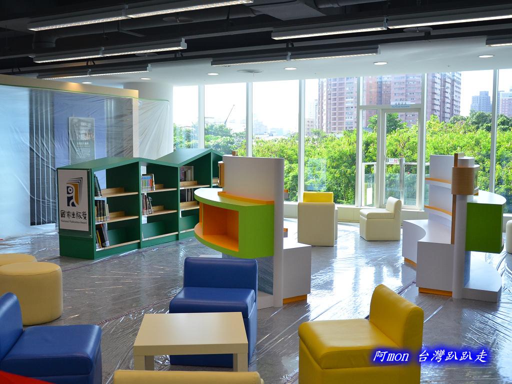 201205台中-國立台中圖書館:國中圖31.jpg