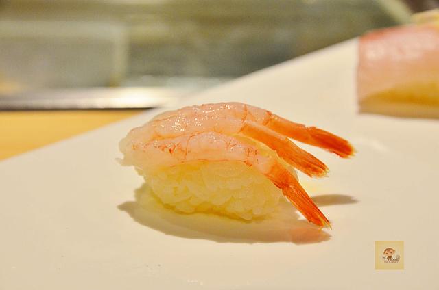 1051584761 l - 【熱血採訪】本壽司~職人級師傅掌廚的平價精緻壽司專賣店,食材新鮮且用心,推薦鮭魚生魚片、海膽、松露和牛,另有無菜單料理