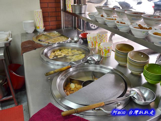 1021731691 l - 【台中西區】台北傳統小吃~價格平價又好吃的甜不辣和小菜