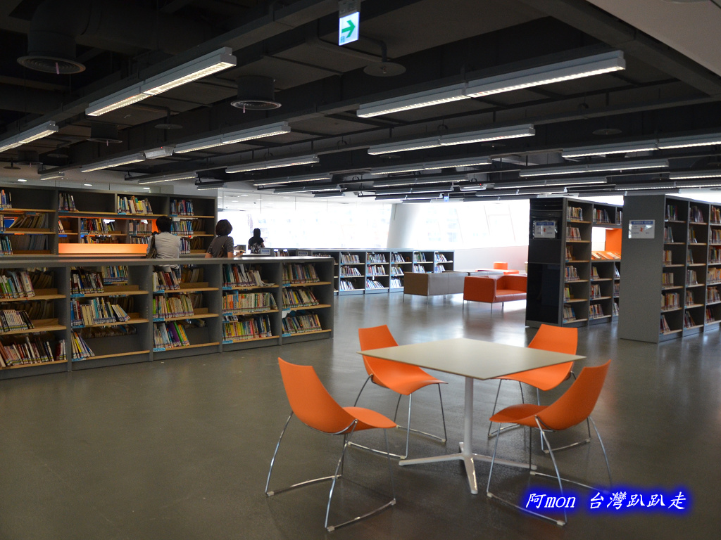 201205台中-國立台中圖書館:國中圖43.jpg