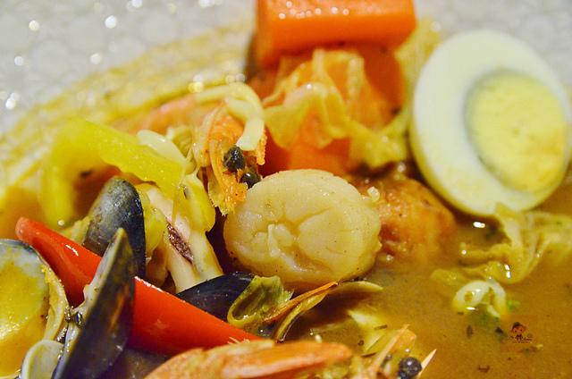 1054639864 l - 【台中西區】心湯咖哩~來自日本北海道名店的咖哩料理,料多且咖哩味香,推薦雞肉和海鮮口味