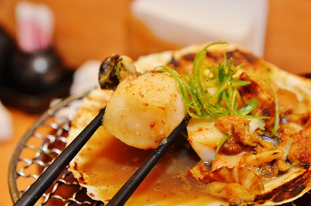 1092364821 l - 【熱血採訪】桀壽司~市場旁平價日本握壽司專賣店大推薦,海鮮食材新鮮美味,大推干貝海膽握壽司、比目魚握壽司、生蠔、胭脂蝦,台中吃壽司的好選擇
