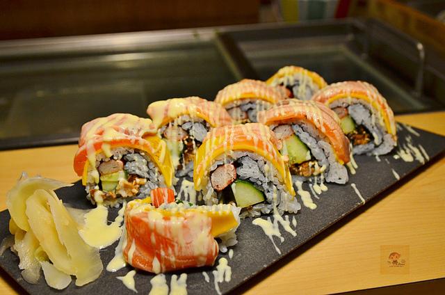 1051579436 l - 【熱血採訪】本壽司~職人級師傅掌廚的平價精緻壽司專賣店,食材新鮮且用心,推薦鮭魚生魚片、海膽、松露和牛,另有無菜單料理