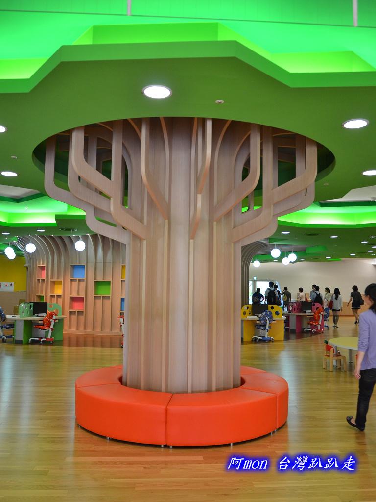 201205台中-國立台中圖書館:國中圖73.jpg