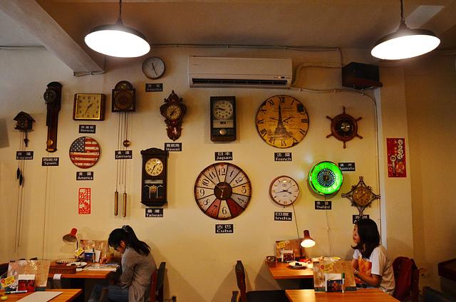1073720049 l - 【台中北區】找路咖啡~小巷中懷舊復古風私房咖啡館~餐點選項多,環境靜謐且位置多,讀書聚會場地推薦,近中國醫學大學