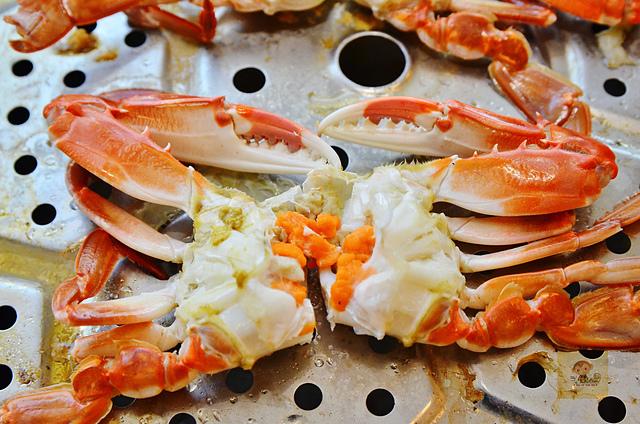1118622718 l - 【熱血採訪】蒸籠宴~生猛海鮮創意新吃法,用蒸鍋蒸出海鮮的甜美與鮮味,大推泰國蝦、活鮑魚、活蟹,適合團體聚餐和家庭聚餐