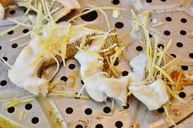 1118622721 l - 【熱血採訪】蒸籠宴~生猛海鮮創意新吃法,用蒸鍋蒸出海鮮的甜美與鮮味,大推泰國蝦、活鮑魚、活蟹,適合團體聚餐和家庭聚餐