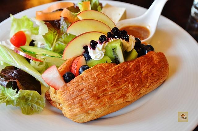 1065650476 l - 【台中西區】畢洛雅咖啡館~精緻且平價美味的早午餐,環境幽靜,有無線網路和插座,適合讀書和工作的好地方