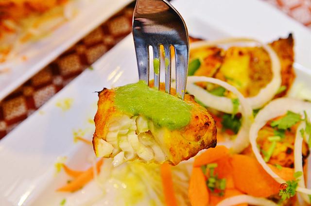 1142281503 l - 【熱血採訪】斯里瑪哈印度餐廳~正統印度料理大推薦,有帥氣印度老闆和爆好吃的印度咖哩,綜合海鮮咖哩、瑪莎拉豆沙及寶萊雞丁必吃,近勤美誠品