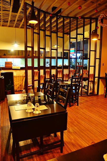 1054639460 l - 【台中西區】心湯咖哩~來自日本北海道名店的咖哩料理,料多且咖哩味香,推薦雞肉和海鮮口味