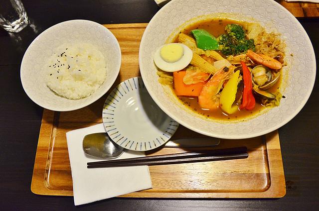 1054639462 l - 【台中西區】心湯咖哩~來自日本北海道名店的咖哩料理,料多且咖哩味香,推薦雞肉和海鮮口味