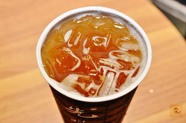 1137991895 l - 【熱血採訪】先喝道~古典玫瑰園新品牌新開幕,台中大遠百內平價手搖冷飲推薦,英式水果茶和珍珠奶茶非喝不可,近秋紅谷、國家歌劇院