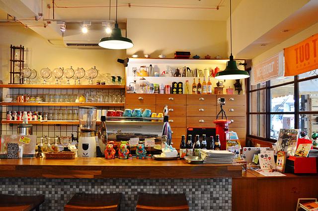1073718585 l - 【台中北區】找路咖啡~小巷中懷舊復古風私房咖啡館~餐點選項多,環境靜謐且位置多,讀書聚會場地推薦,近中國醫學大學