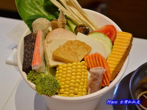 251626289 m - 【台中中區】元本澤~台中火車站前吃小火鍋的新選擇