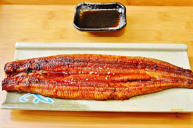 1134296807 l - 【熱血採訪】菁饌園鰻魚飯~台中超私房鰻魚飯專賣店推薦,專業職人師傅現點現烤,入口即化的超美味鰻魚飯必吃,烤鱈魚也挺好吃的唷,近豐樂公園、