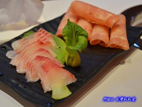251626297 m - 【台中中區】元本澤~台中火車站前吃小火鍋的新選擇