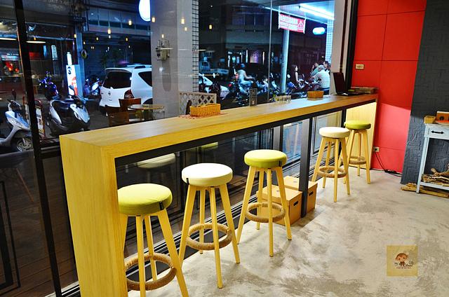 1045076659 l - 【台中西區】Passenger 隨食旅人~讓人驚喜的美味輕食店~好吃的芭蕾帕夫甜點、香料雞肉燒餅、西班牙烘蛋