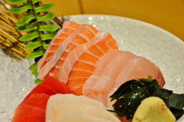 1051582096 l - 【熱血採訪】本壽司~職人級師傅掌廚的平價精緻壽司專賣店,食材新鮮且用心,推薦鮭魚生魚片、海膽、松露和牛,另有無菜單料理