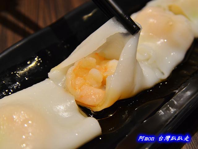 1025992640 l - 【台中西區】哄供茶餐廳~餐點種類多的港式料理,特價時吃最好